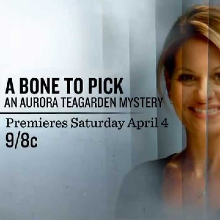 Aurora Teagarden Mystery: A Bone to Pick